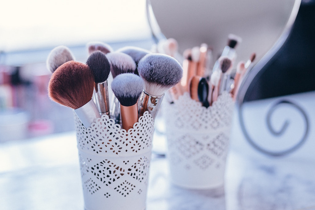 assorted-beauty-tools