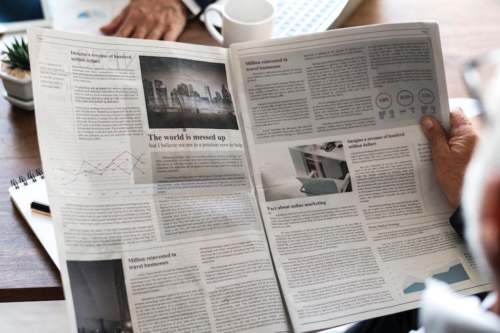 journalism-newspaper-read