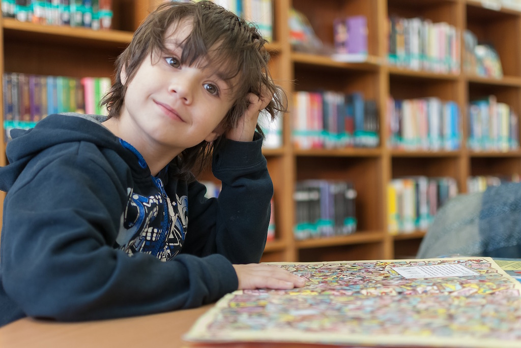 child-library-education